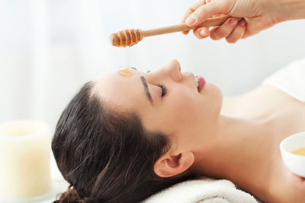 best beauty tips using  honey