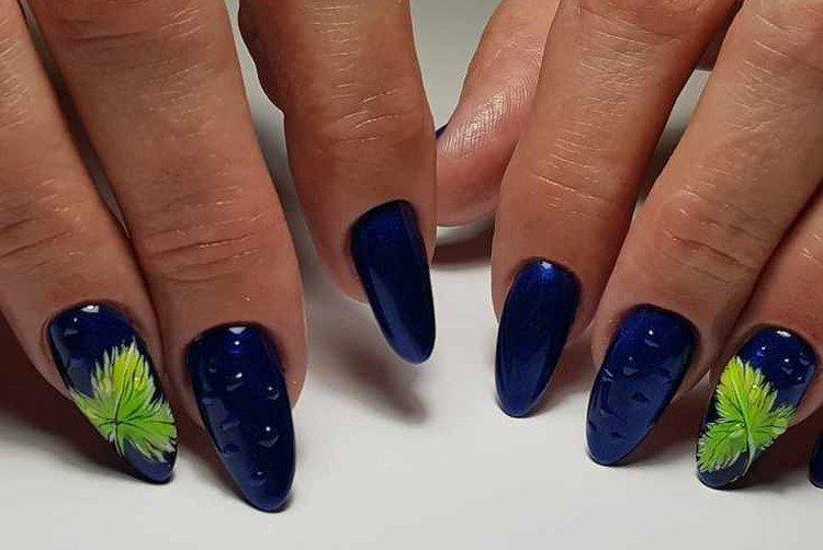 Blue autumn manicure