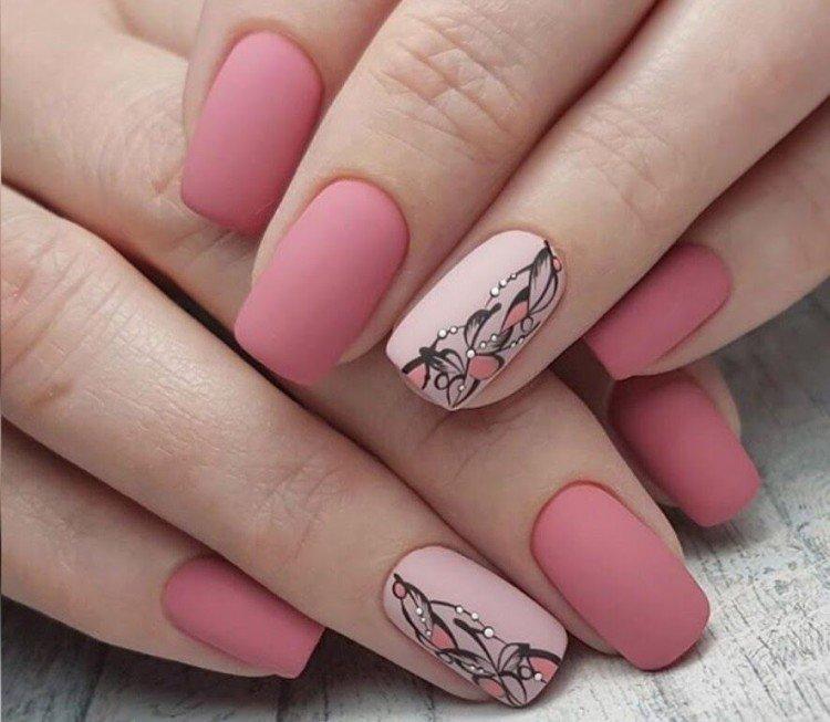 Autumn pink manicure