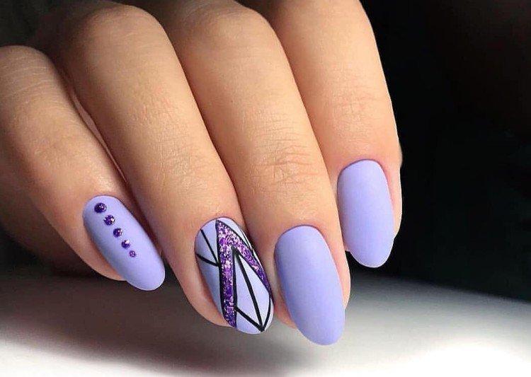 Light autumn manicure 2021