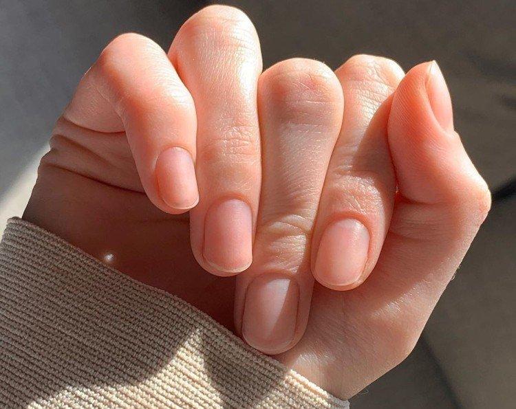 Autumn manicure without coating