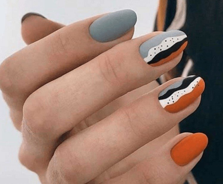 Gray manicure 2021