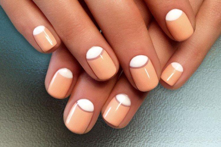 Lunar manicure for short nails