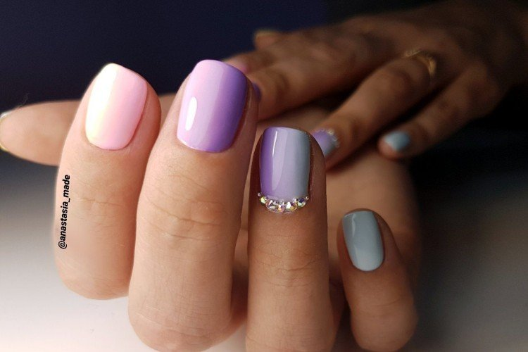 Horizontal gradient in manicure