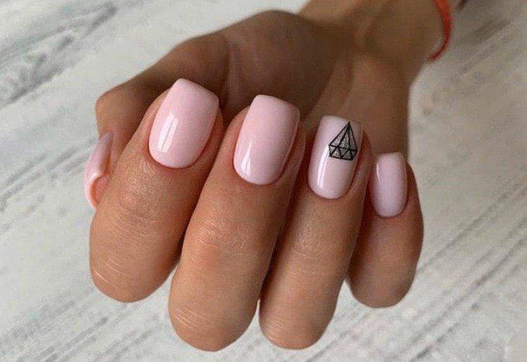 Beige manicure